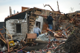 Workers salvaging what's left after Joplin tornado