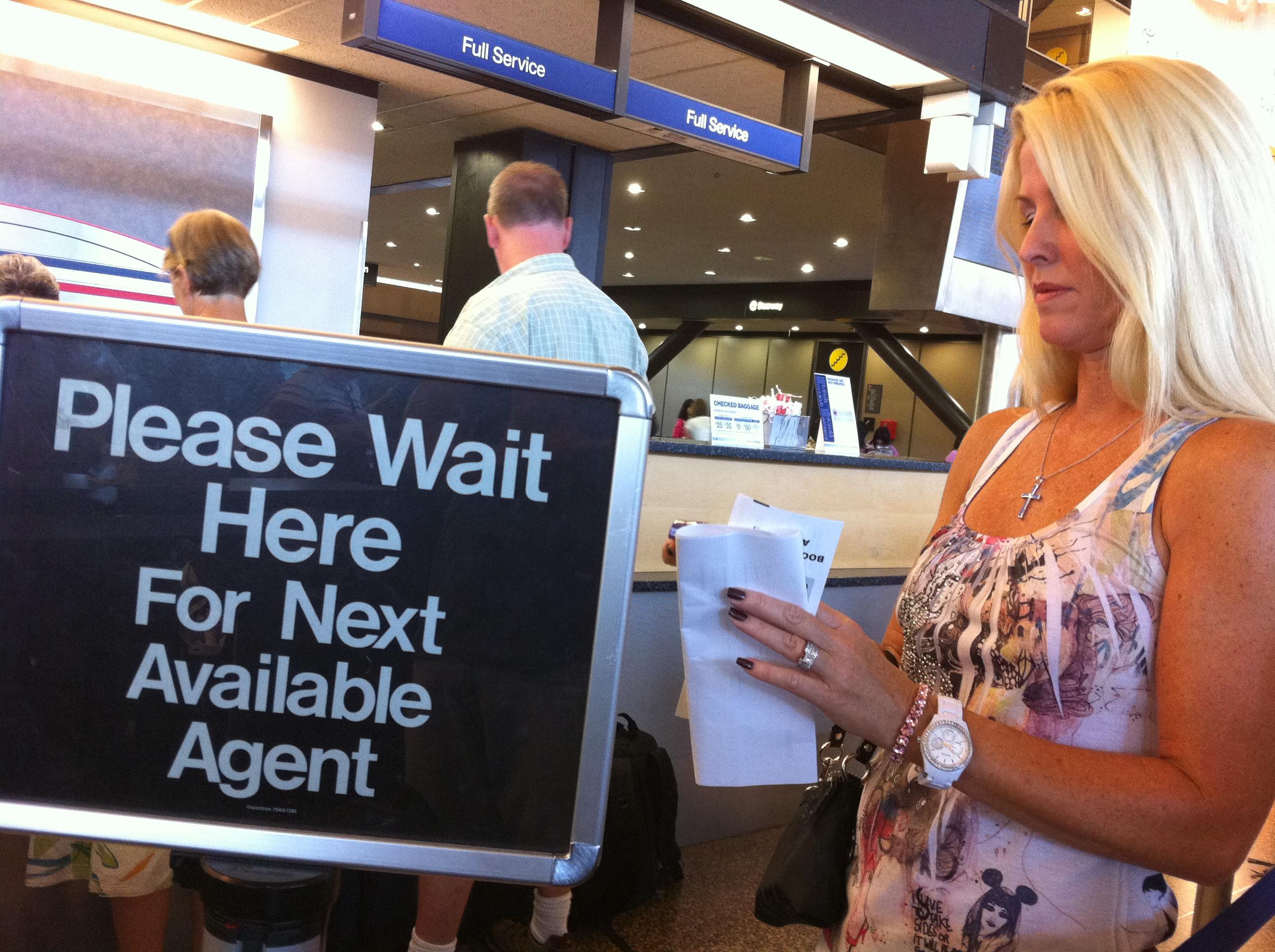 airline reservation agent job description